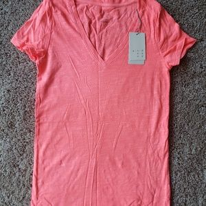 Bright pink tshirt size XS